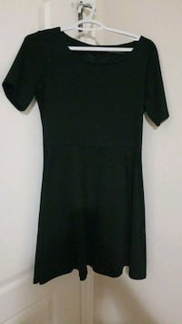 Short sleeve black dress London, N6K 5C7