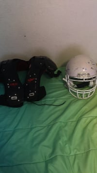football pads and helmet El Paso, 79935