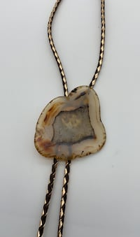 Bolo tie with large agate slice