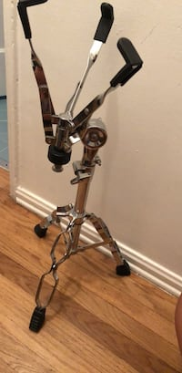 Double  braced snare stand Los Angeles, 90064