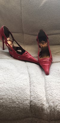 Red pumps Vaughan, L4L 8J7
