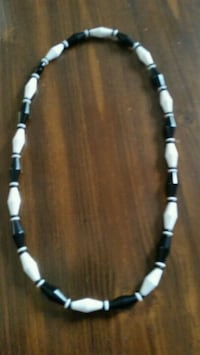 Vintage costume jewelry black and white necklaces  Homosassa Springs, 34446