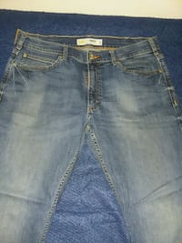 Lee Slim Fit Tapered Leg Jeans  Otis Orchards-East Farms, 99027