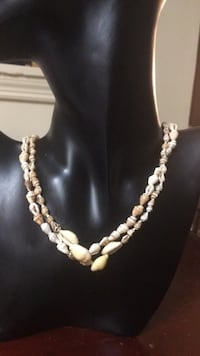 shell necklace 40 inches long Lexington, 40517