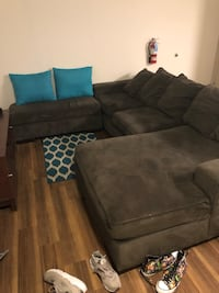 Grey Sectional w/ Ottoman *Extremely Comfortable * Mays Landing, 08330