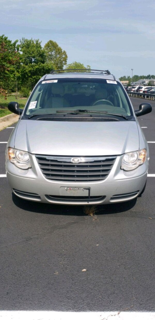 2005 - Chrysler - Town and Country