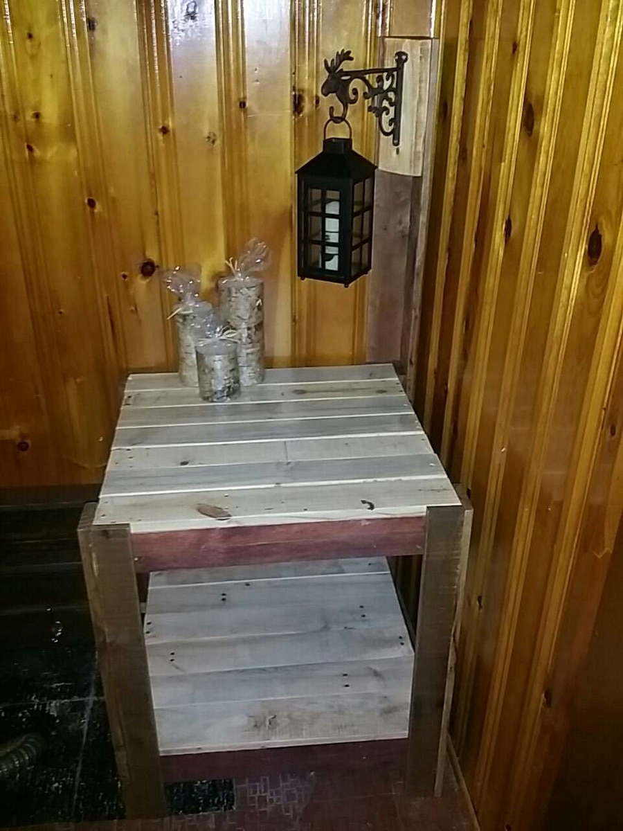 used hand made pallet wood table for sale in brossard letgo rh gb letgo com
