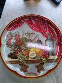 white and red decorative tin plate
