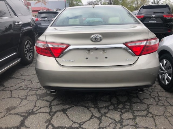 2015 Toyota Camry XLE c9bd26ae-9d09-41d7-aed9-fb5aaae521ab