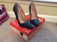 pair of black leather pointed-toe heeled shoes Houston, 77092