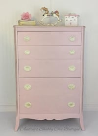 Pretty Pink Dresser/five drawer Richmond Hill