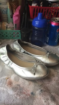 Little girl silver shoes Canton, 30114