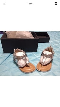 Kenneth Cole silver t-strap flats size 5 Mount Vernon, 10550