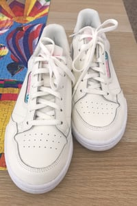 White shoes to go with any outfits Las Vegas, 89113