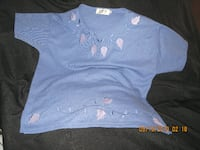 Size L - D&D Collection Short Sleeve Top with Leaf Embellishments at Neck & Bottom