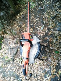 Black Decker hedge trimmer 24in Savannah, 31404