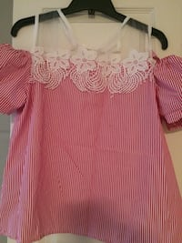 Pretty blouse. Lace detail. Brand new. Large but fits more like small/medium Barrie, L4N 8A5
