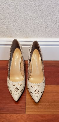 Nude Floral cutout pumps - New in Box HAYWARD