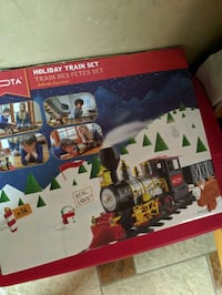 FESTIVE LOCAMOTIVE TRAIN SET