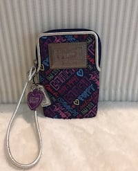 Coach cellphone wristlet. Brand name. Authentic  Cambridge, N3C 3E7