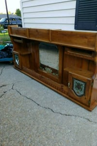 brown wooden TV stand with cabinet Romeoville, 60446