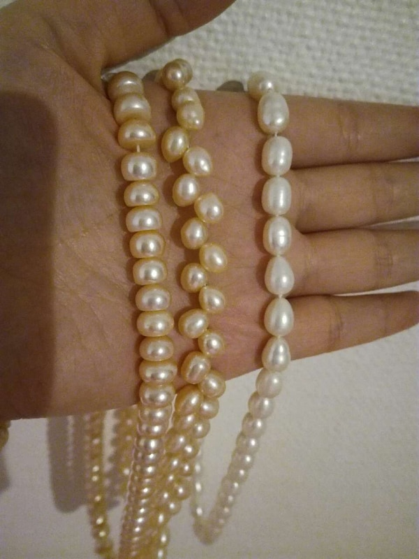 Pear neck ring