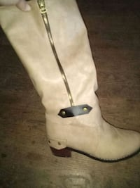 Ladies size 7 riding boots..Price firm  Shepherdsville, 40165