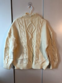 Textured Cable Knit sweater Toronto, M2N 7L3