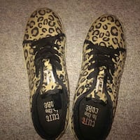 Size 8 womans shoes Barrie