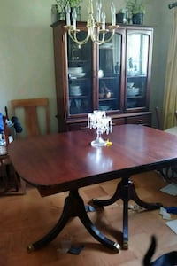 Antique Drop Leaf Dining Table Millersville, 21108
