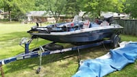 1990 HydraSports Bass Boat w/ trolling & outboard motors, trailer, cover & addl equipment. Saint Charles, 63303