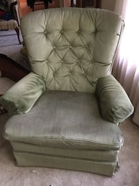Fabric Tufted Chair St. Cloud, 56304