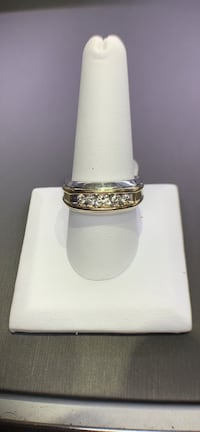 Gold and diamond men's ring  Hinsdale, 60521