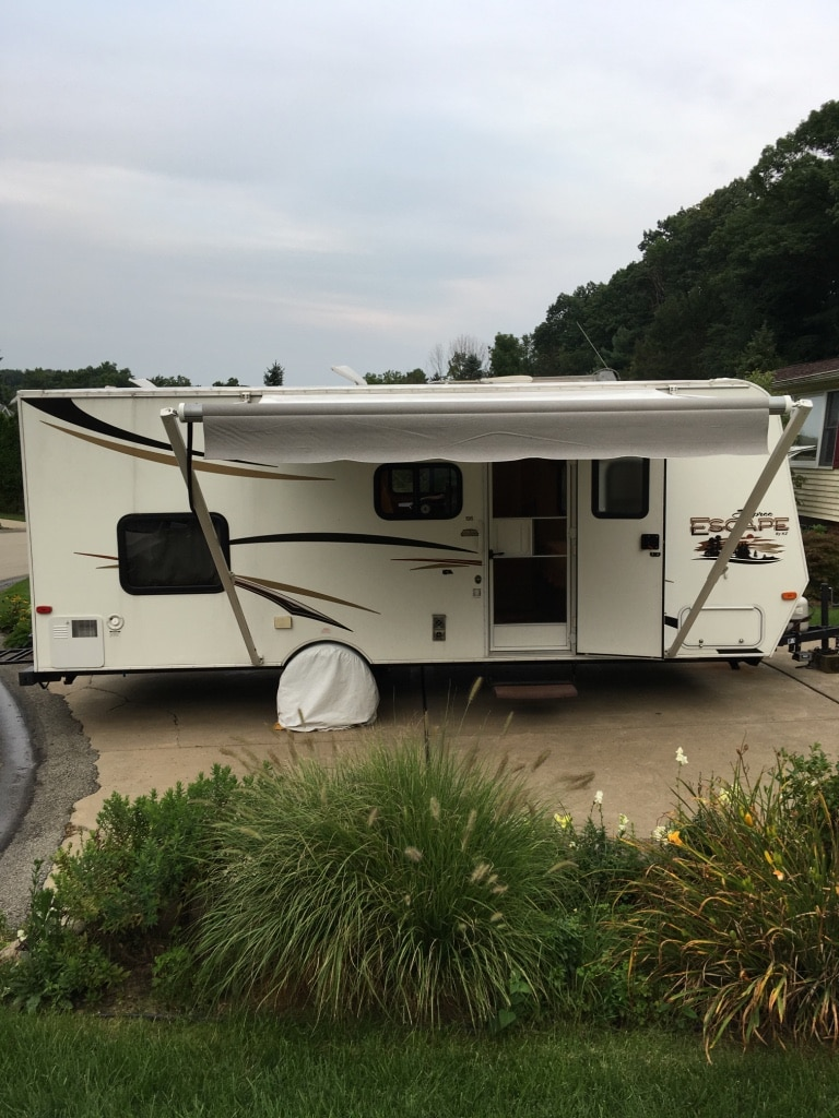 white and red camper trailer for sale  Bethel Park