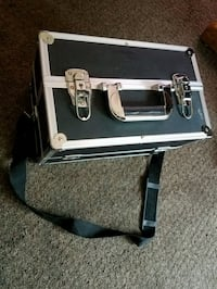 Metal Makeup Case with a Strap Good Condition $25. Omaha, 68111