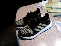 black and gold Adidas  Kennewick, 99336