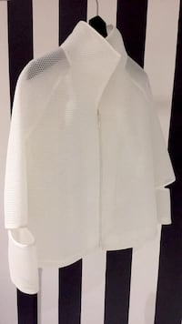 [NEW] White Neoprene perforated sports jacket Laval, H7M 2E8