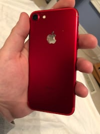 iPhone 7 128 gb red product unlocked Newmarket, L3X 1L6