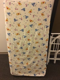 Small child day bed with mattress