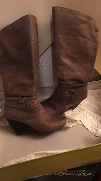 Boots ((bare traps brand ))size 7 women Ooltewah, 37363