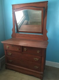 dresser with swivel mirror  Seaford, 11783