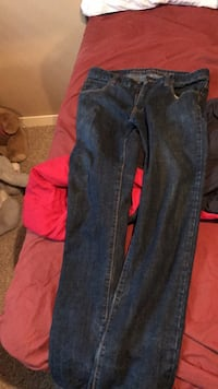 Blue denim straight-cut jeans Winnipeg, R2R 2W7