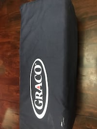 black Graco bag