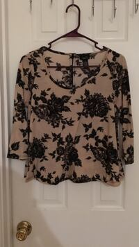 women's brown and black floral scoop-neck long-sleeve blouse