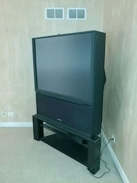 black CRT TV with stand Naperville, 60565