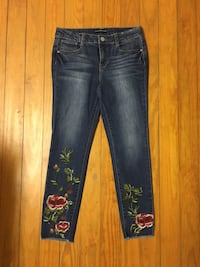 Jeans with flowers size 6 Washington, 20008