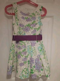 Gently used , girls dress 556 km