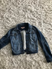 Women's guess cropped denim jacket  Edmonton