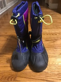 pair of purple-and-black rain boots Toronto, M9L 2H3