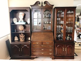 Beautiful wooden modular book shelf and secretary desk with hutch.